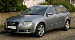 Audi_A4_Avant_TDI_S-line_(B7)_–_Frontansicht,_15._August_2011,_Mettmann
